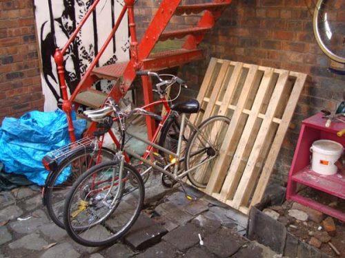 stojak na rower z palet