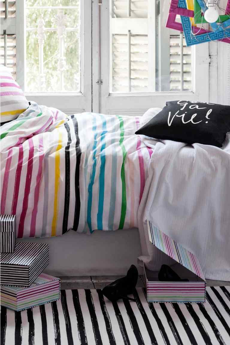 h m home otwarcie sklepu online meble z palet. Black Bedroom Furniture Sets. Home Design Ideas